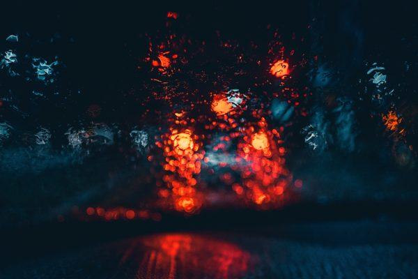 """Kostenloses lizenzfreies Bild der AdSimple Content Marketing Agentur mit dem Titel """"Bokeh, Unschärfe, Licht und Regen"""" zu den Stichworten 2018, Frühling"""